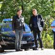 """Franck Semonin et Xavier Deluc durant le premier jour de tournage de la nouvelle saison de la série télévisée diffusée sur TF1 """"Section de Recherches"""", le 9 septembre 2019 au Rouret. © Bruno Bebert / Bestimage"""