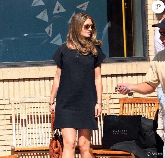 Rebecca Gayheart et Eric Dane à la sortie de Barney's New York à Beverly Hills le 17 octobre 2009