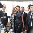 """La Reine Rania de Jordanie et Isabelle Rauti lors du second jour de la visite de Rania en Italie. Promotion du projet pour venir en aide aux enfants """"1st Goal Campaign : Education for all""""."""