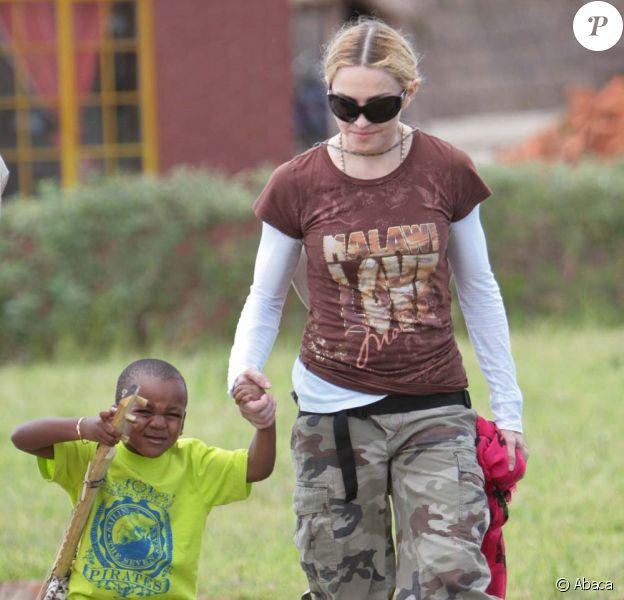 Madonna au Malawi en mars 2009 avec son fils David.
