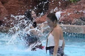 Ugly Betty : America Ferrera et Becki Newton se baignent aux Bahamas...  mais elles n'ont pas de maillots de bain !