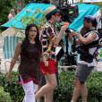 America Ferrera et Becki Newton sur le tournage de la saison 4 d'Ugly Betty à l'Hôtel Atlantis Resort aux Bahamas le 6 octobre 2009