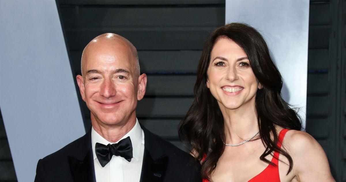 Jeff Bezos (Amazon) : Son ex-femme MacKenzie Scott remariée à un prof', sa nouvelle vie tranquille - Pure People