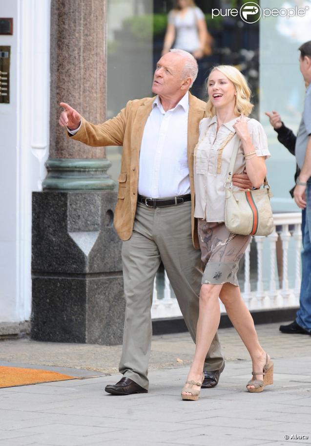 Naomi Watts et Anthony Hopkins sur le tournage de You Will Meet A Tall Dark Stranger