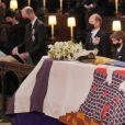 Le prince William, duc de Cambridge, et Catherine (Kate) Middleton, duchesse de Cambridge, James Mountbatten-Windsor, Sophie Rhys-Jones, comtesse de Wessex, et Louise Mountbatten-Windsor (Lady Louise Windsor) - Funérailles du prince Philip, duc d'Edimbourg à la chapelle Saint-Georges du château de Windsor, Royaume Uni, le 17 avril 2021.
