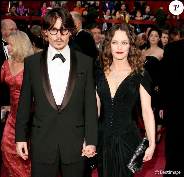 Jack, le fils de Vanessa Paradis et Johnny Depp, a grandit et ressemble comme deux gouttes d'eau à son père !