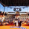 La famille royale des Pays-Bas, Le roi Willem-Alexander et la reine Maxima des Pays-Bas avec leurs filles la princesse Alexia des Pays-Bas, la princesse Ariane des Pays-Bas et la princesse Catharina-Amalia des Pays-Bas, assite à un concert à l'occasion de la fête du Roi (Koningsdag), anniversaire du roi (54 ans) à La Haye, Pays-Bas, le 27 avril 2021.