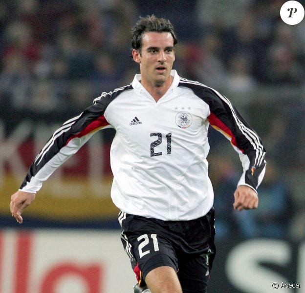 Christoph Metzelder, ancien défenseur de l'équipe nationale d'Allemagne, est jugé pour possession et diffusion d'images pédopornographiques.