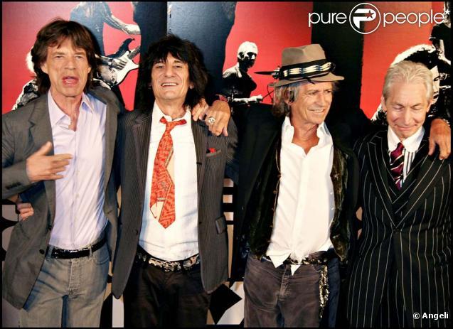 Les Rolling Stones au grand complet.