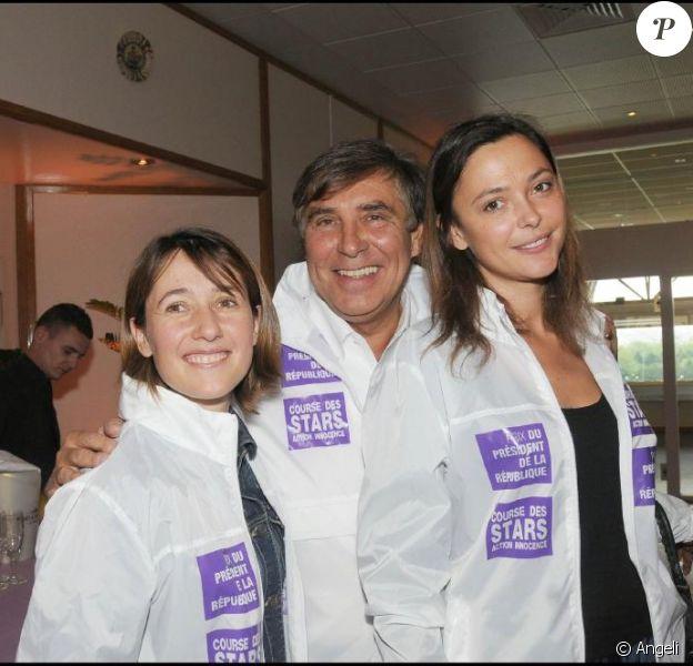 Alexia Laroche-Joubert, Jean-Pierre Foucault et Sandrine Quétier ont parcouru les routes de notre beau pays pour dénicher les candidats du Plus grand quiz de France.