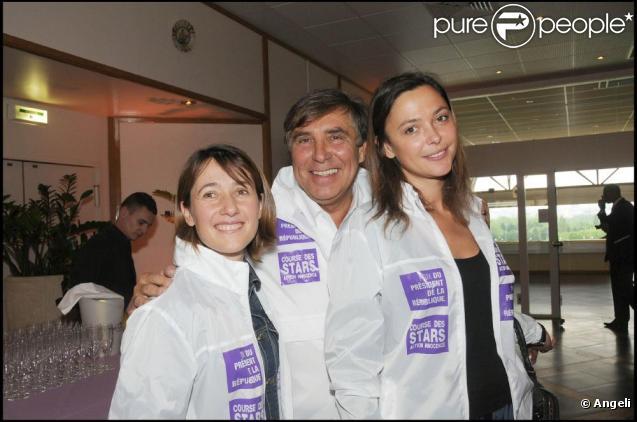 Alexia Laroche-Joubert, Jean-Pierre Foucault et Sandrine Quétier ont parcouru les routes de notre beau pays pour dénicher les candidats du  Plus grand quiz de France .