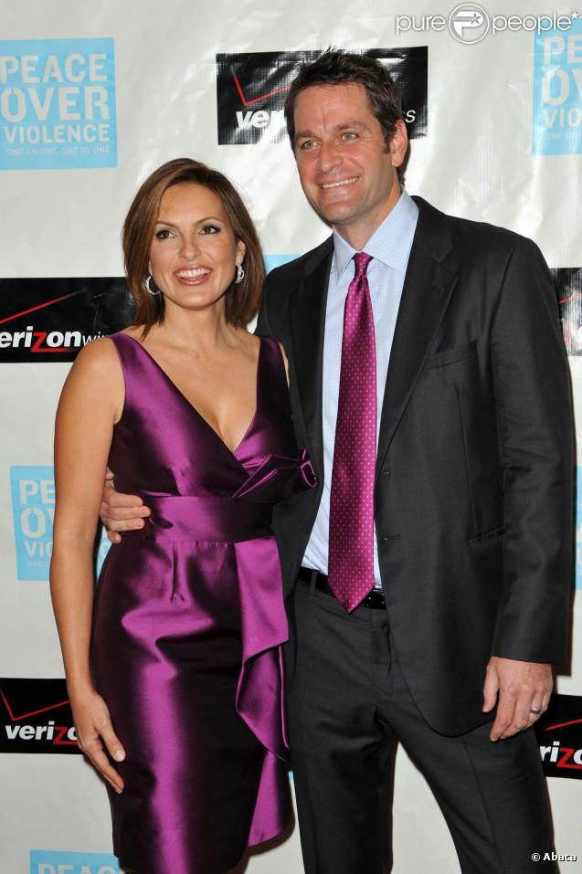 Mariska Hargitay, accompagnée par son époux Peter Hermann, a reçu le 6 novembre 2009 l'Empowerment Award lors des 38e Peace over Violence Humanitarian Awards