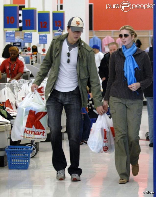 Ivanka Trump et son nouveau mari Jared Kushner se rendent chez K,Mart à New