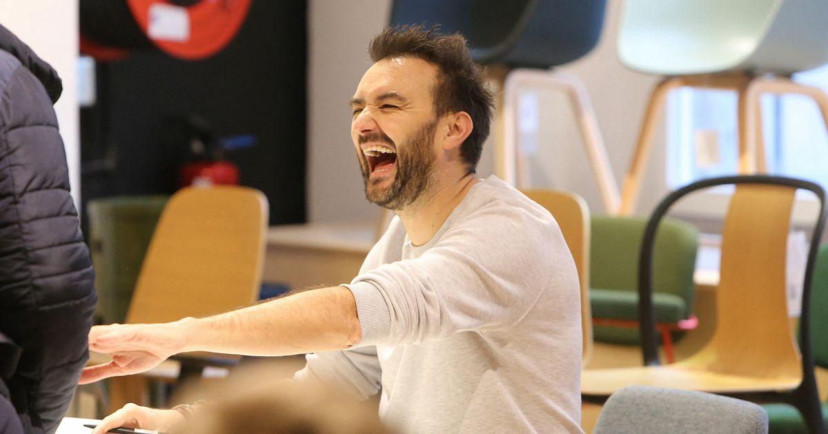 Cyril Lignac euphorique : il annonce une grande nouvelle qui le comble de bonheur !