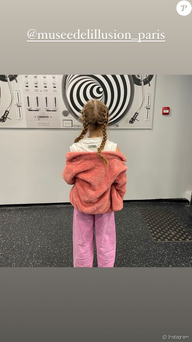 La fille de Carla Bruni, Giulia, au Musée de l'Illusion, à Paris, le 26 mai 2021