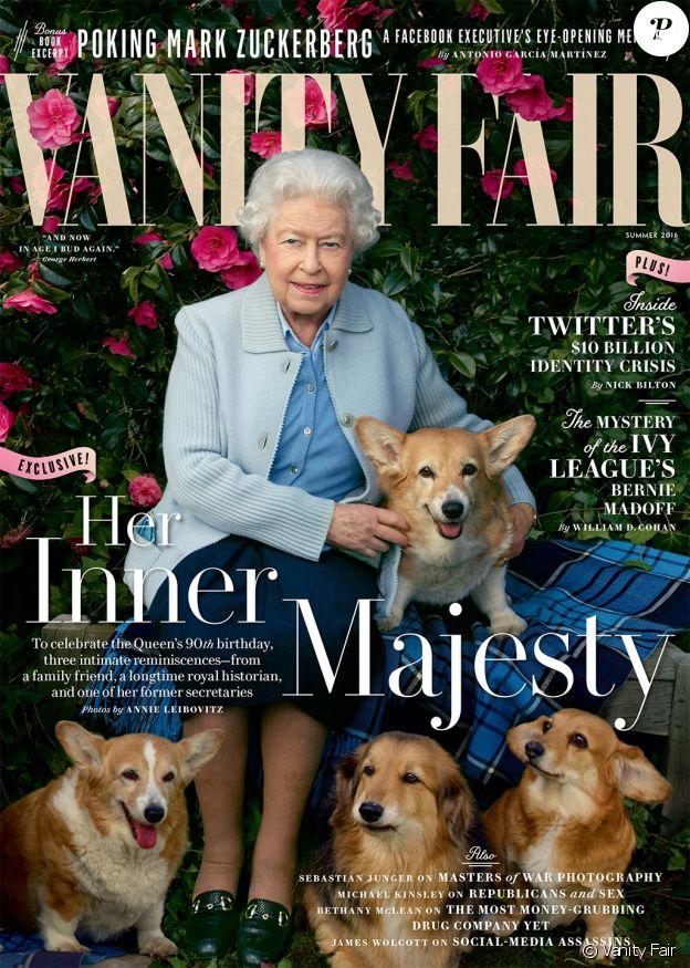Elizabeth II et ses chiens adorés en couverture du magazine Vanity Fair, en 2016.