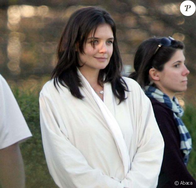 Katie Holmes sur le tournage de The Romantics, le 16 novembre 2009 !