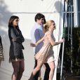 Katie Holmes, Anna Paquin et Adam Brody sur le tournage de  The Romantics , le 16 novembre 2009 !