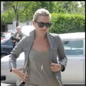 Kate Moss : Et maintenant... elle oublie son pantalon !