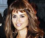 Penélope Cruz à New York le 15/11/09 avec son adorable frange