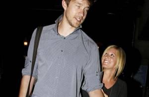 Ashley Tisdale, lilliputienne à côté de son homme... revient du Mexique, folle amoureuse !