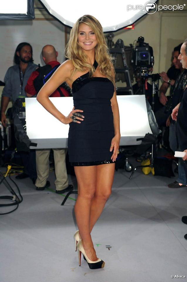 La belle Heidi Klum, à l'occasion du Victoria's Secret Fashion Show, qui s'est tenu au Lexington Armory de New York, le 19 novembre 2009.