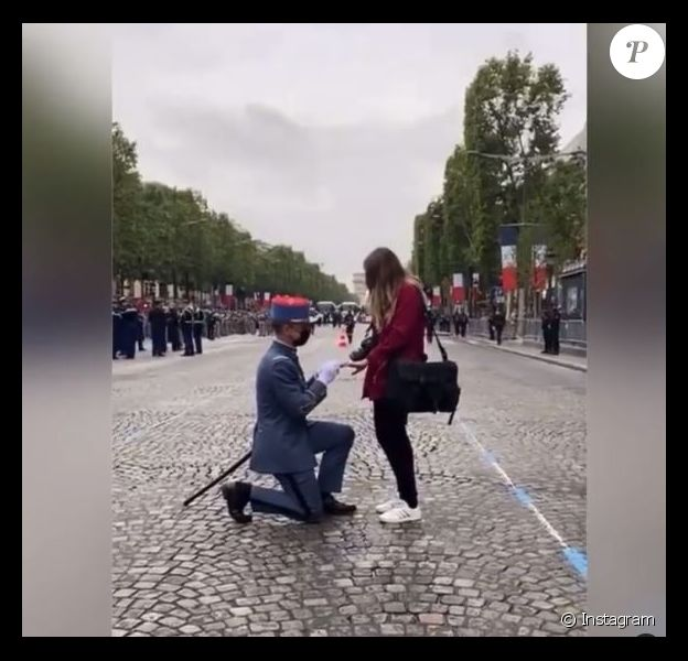 Demande en mariage avant le défilé