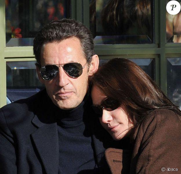 Carla Bruni-Sarkozy : première fête familiale à l'Elysée en l' honneur de tante Gigi...