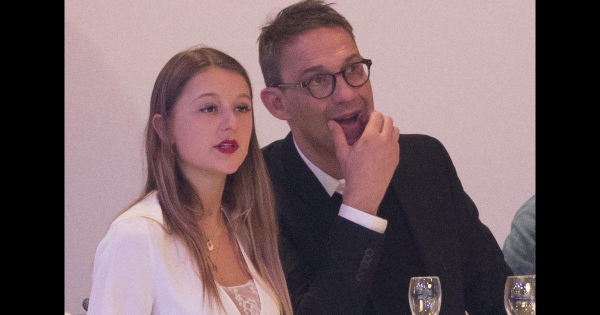 Julien Courbet confond sa femme avec son gendre : vidéo de leurs vacances