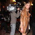 La belle Sarah Marshall et sa nouvelle coupe de cheveux, à l'occasion de la 14e édition des Sapins de Noël des Créateurs, au Grand Hotel de Paris, le 24 novembre 2009.