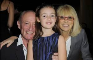 Mireille Darc : A 71 ans, elle fait toujours la fête... mais en famille et avec la superbe Lola Dewaere,