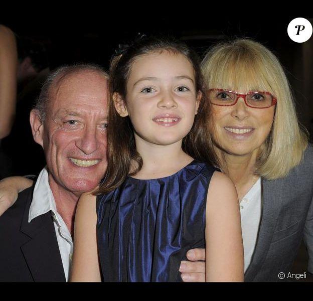 Mireille Darc en famille le 24/11/09 à la soirée Tilde au Palais de Tokyo