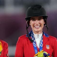 Jessica Springsteen et son cheval Don Juan Van De Donkhoeve, a remporté une médaille d'argent avec l'équipe des USA, aux Jeux Olympiques de Tokyo