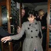 Natalie Imbruglia : à Londres pour de la promo... mais elle préfère faire la fiesta !
