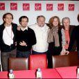 L'équipe de  Kaamelott  en signature au Virgin Megastore, à Paris, le 27 novembre 2009.