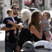 Pour Tobey Maguire, sa chérie et ses adorables deux bambins... c'est que du bonheur !