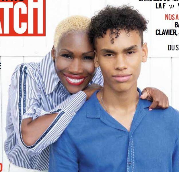 """Alexandre Coste, le fils du prince Albert de Monaco, et sa mère Nicole en couverture du magazine """"Paris Match""""."""