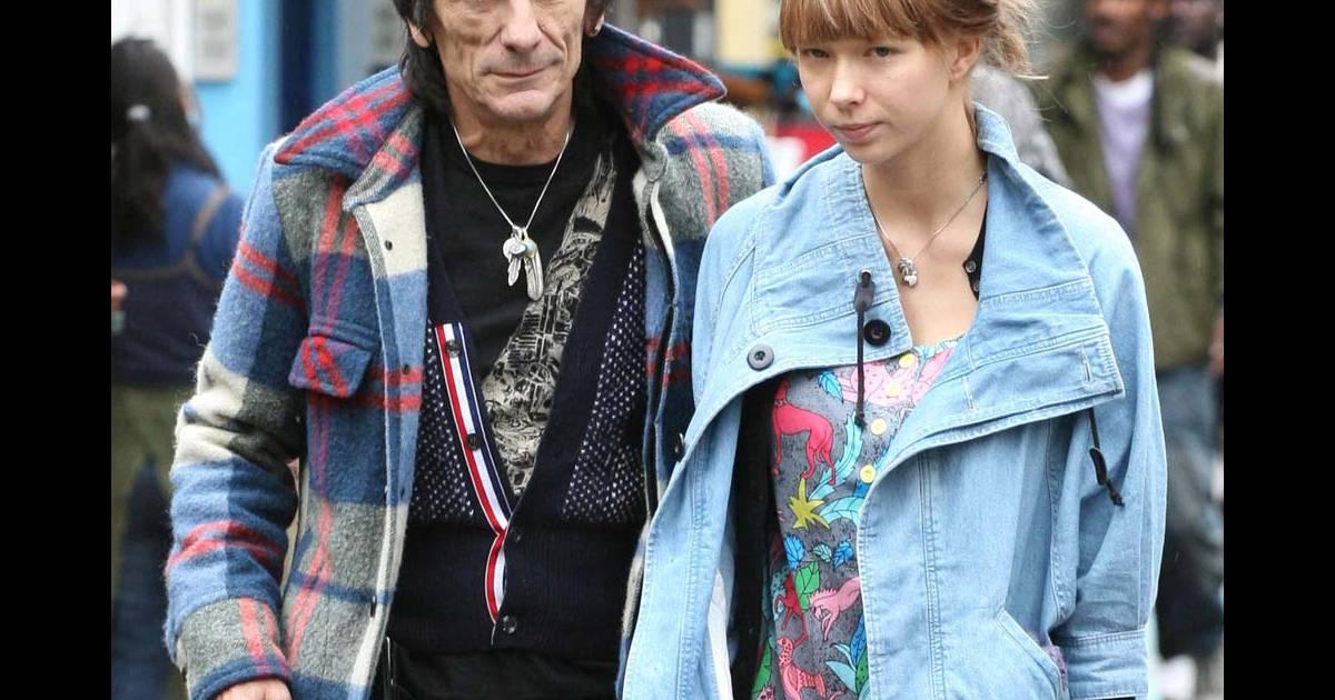 Ronnie Wood : le guitariste des Rolling Stones interpellé ...