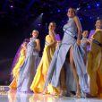 Les 12 demi-finalistes pour cette élection de Miss France 2010 viennent de défiler en robes du soir.