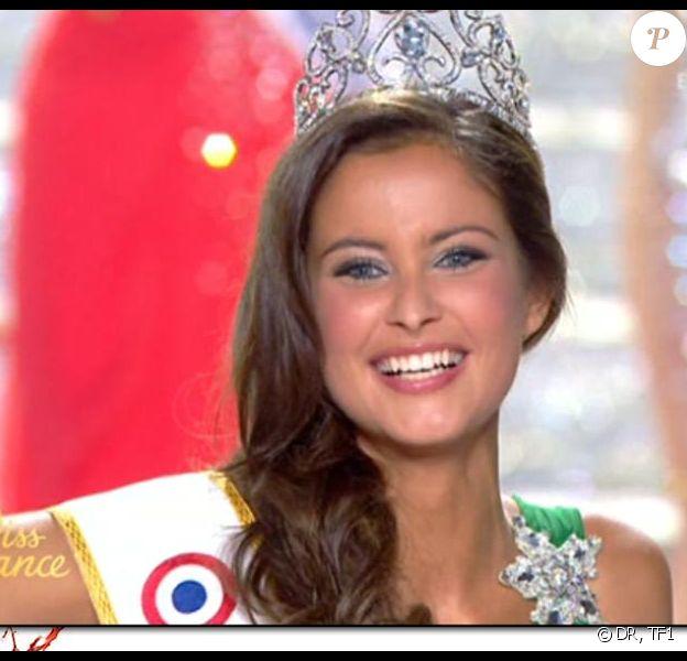 Miss France 2010 est Miss Normandie, Malika Ménard, grande favorite de la soirée ! Bravo à elle !