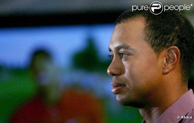 Tiger Woods encore sous les feux de la rampe après l'hospitalisation nocturne d'une femme de son quartier, dans la nuit du 8 décembre 2009