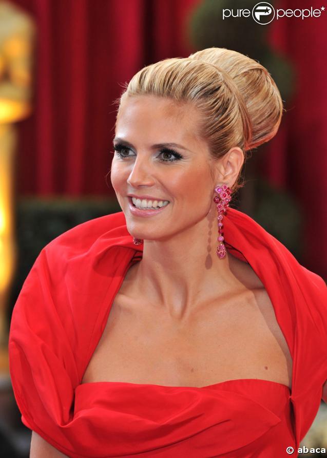Quel bijoux avec robe rouge