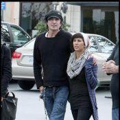 Pendant que Pamela Anderson se déhanche, Tommy Lee sort sa jolie nouvelle girlfriend... complètement différente !