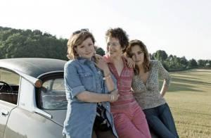 Regardez Jane Birkin, Catherine Jacob et Caroline Cellier... dans un road-movie sensible et délirant !