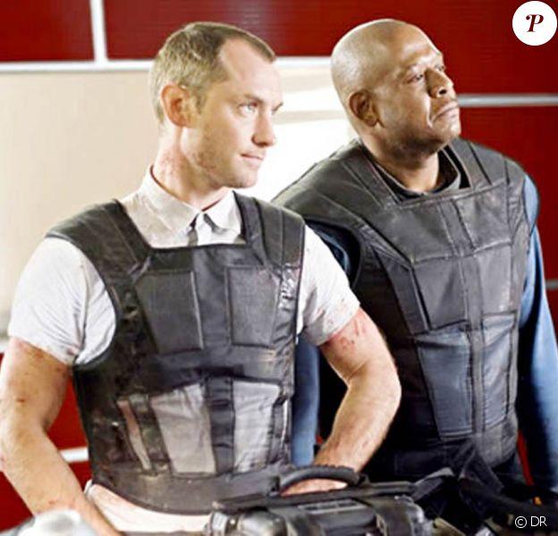 Jude Law et Forest Whitaker dans Repo Men.