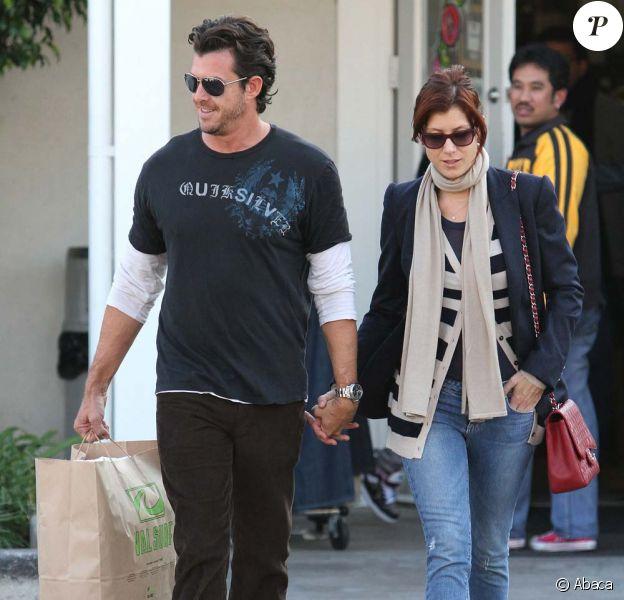 Séance shopping en amoureux pour Kate Walsh et Neil Andrea à Los Angeles, le 26 décembre 2009.