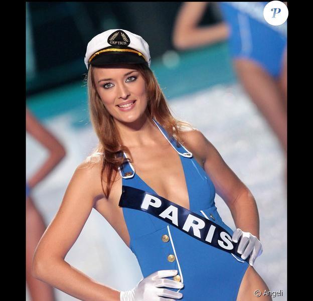 Kelly Bochenko, Miss Paris, avant qu'elle ne soit destituée (5 décembre 2009)