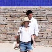 Michelle Pfeiffer : Boyfriend short et borsalino, quand elle joue les G.O en vacances... L'actrice de 51 ans est au top !
