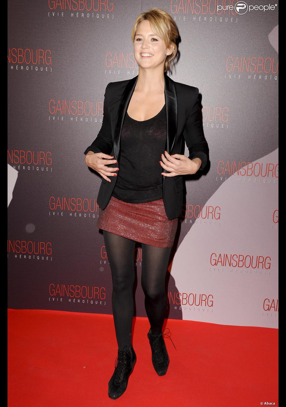 Virginie Efira lors de la première du film Gainsbourg (vie héroïque) à  Paris le 14 janvier