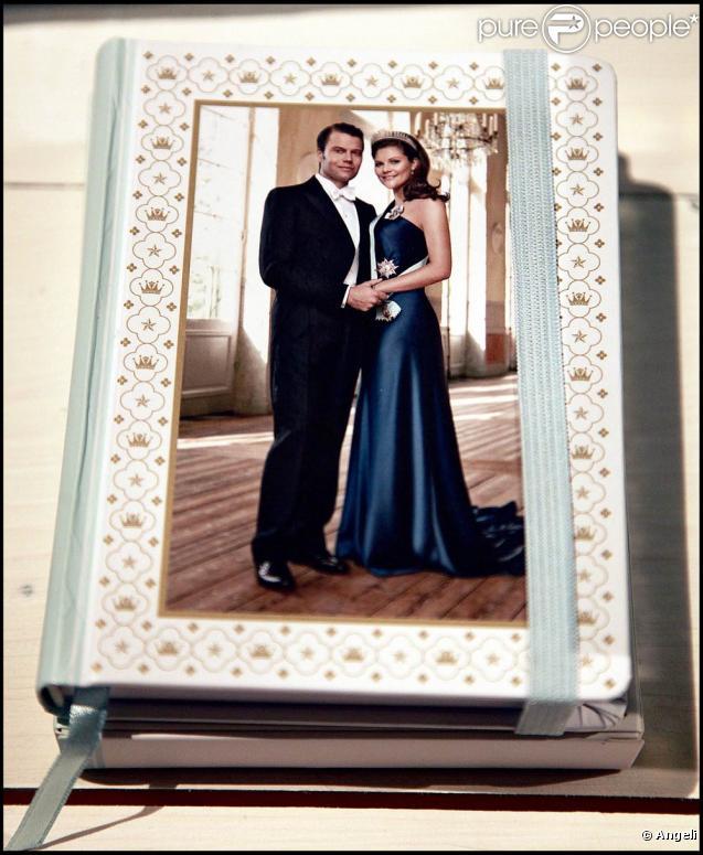 Le mariage de la princesse Victoria de Suède et Daniel Westling, qui aura lieu le 19 juin 2010, dope l'industrie du souvenir en Suède !